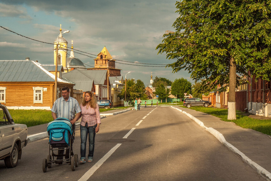 по ул. Зайцева от Пятницких ворот  Кестовоздвженской церкви