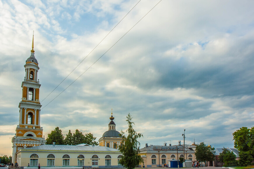 храм Иоанна Богослова  на пл. 2-х революций