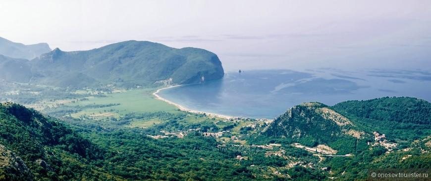 Снимок с серпантина на залив