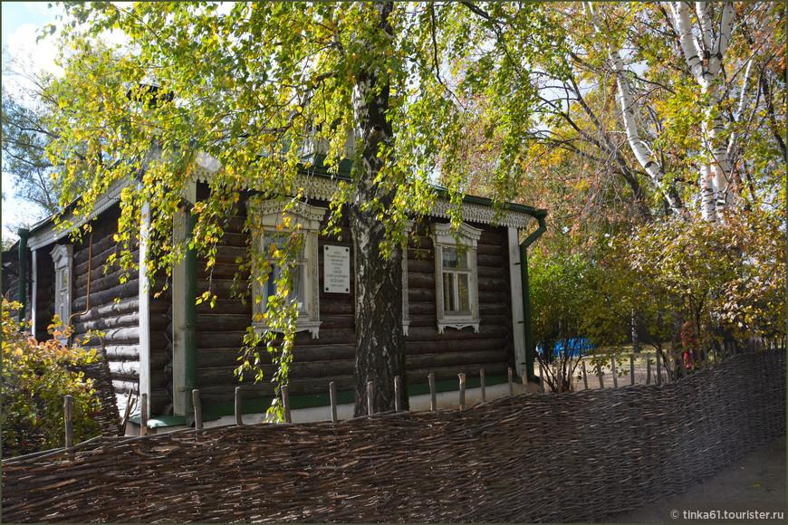 Дом, где родился и вырос поэт.