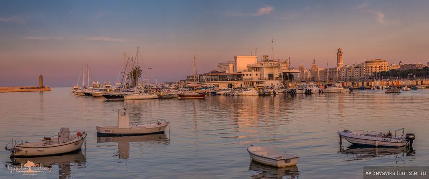 «Там, где качаются лодки» из альбома «Puglia или каблук вам в море». — с Ольгой Мартыновой в городе Бари.