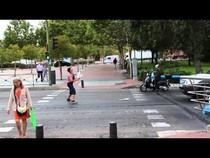 Жонглер на светофоре, 00:29