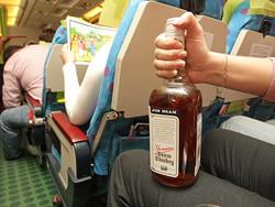 Нетрезвый турист из Екатеринбурга устроил дебош в самолете Канкун – Москва