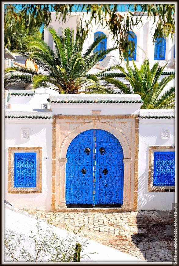 Многие двери просто произведение искусства