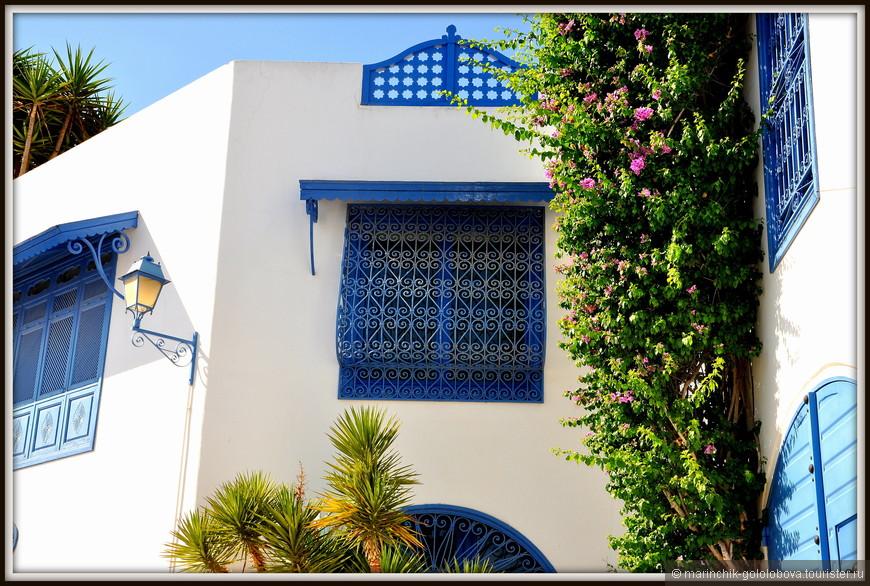 Сейчас Сиди-бу-Саид - любимое место художников, писателей и представителей тунисской и европейской богемы.