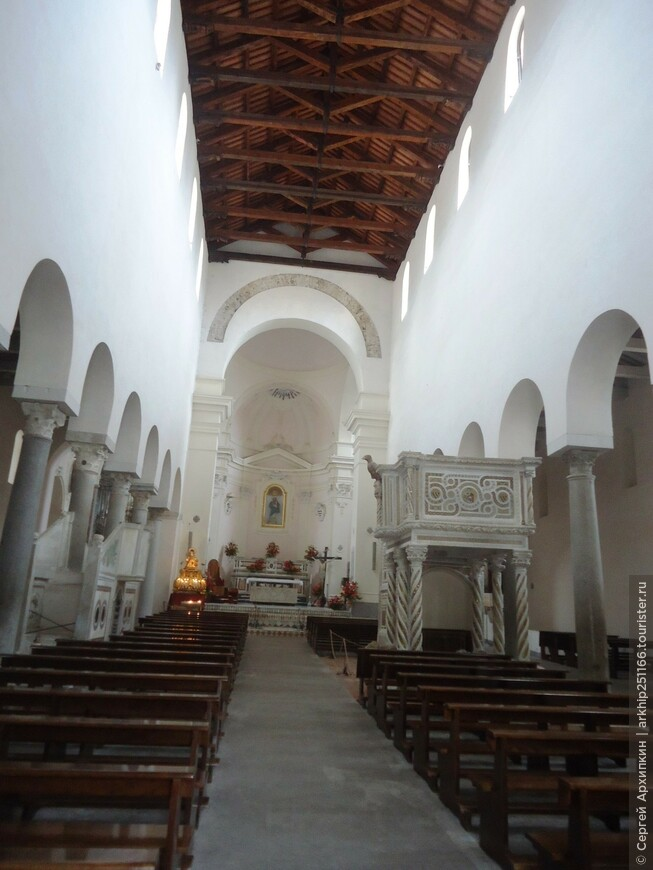 В  Кафедральном соборе Равелло ( 11 век)