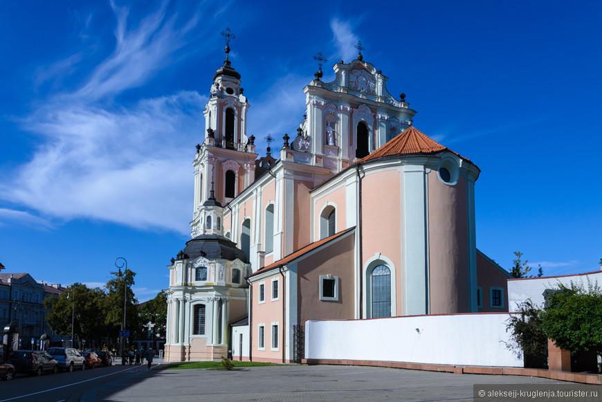 Храмы. В Вильнюсе их много, и внимания они, безусловно, заслуживают, но в этот раз наши интересы лежали в другой плоскости.