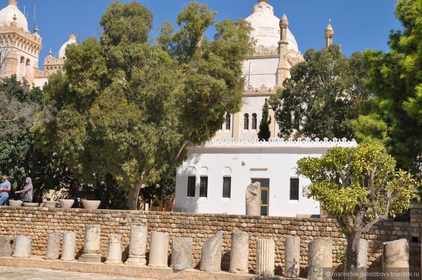 Собор и прилегающие к нему постройки сегодня размещают национальный археологический музей, они вошли в собственность государства в 1964 г.