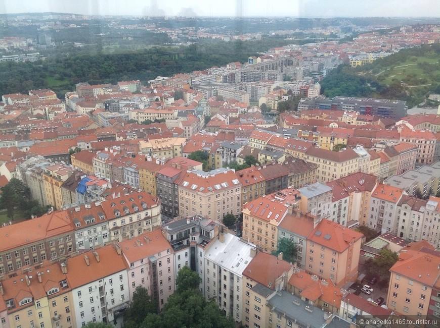 Вид сверху телевизионной башни))