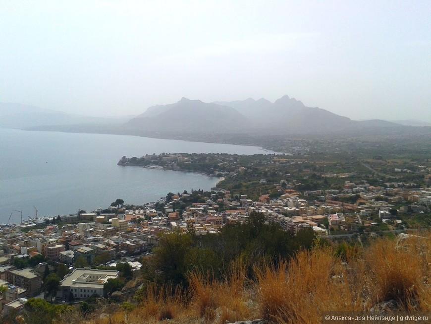 Вид с горы Катальфано на Портичелло и Кастельдаччу.