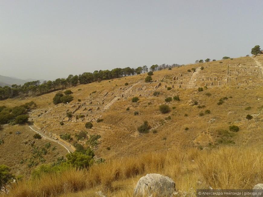 Вид на раскопки древнегреческого города