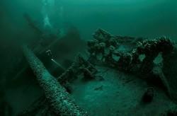 Дайверам запретили погружаться к затонувшим в Крыму кораблям