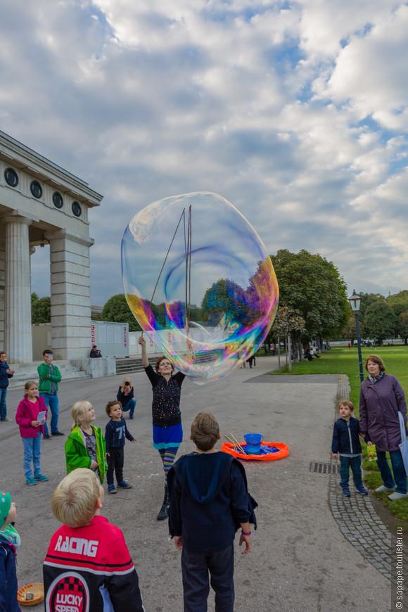 Вот это пузырь! Мечта детишек!!!