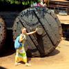 У огромной храмовой колеснице в Гокарне