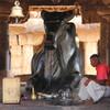 Изваяние быка Нанди в храме в Паттадакале