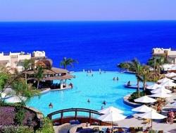МИД РФ не рекомендует российским туристам покидать пределы курортных зон в Египте