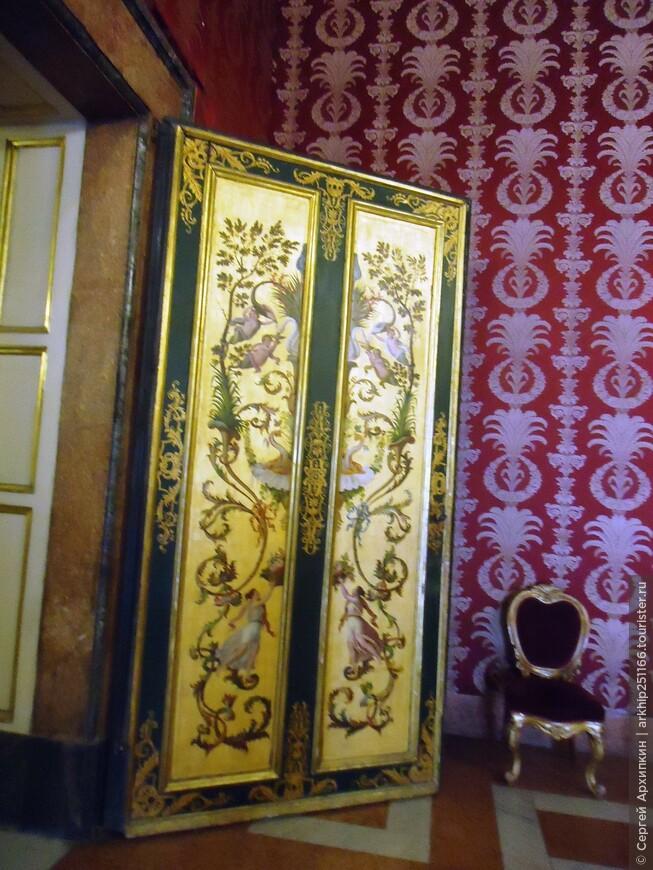 Оформление дверей во дворце