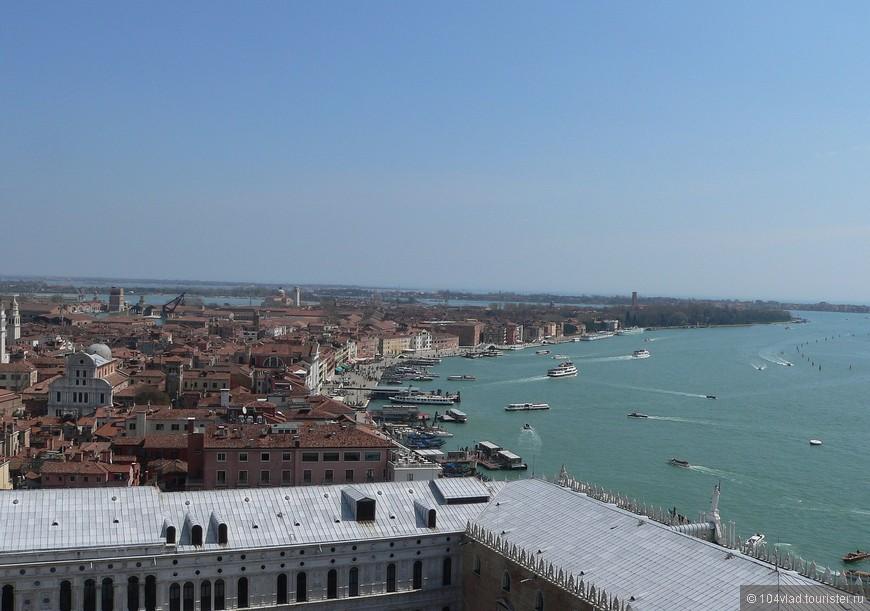 Восточная оконечность Венеции. Слева церковь Сан Заккария.