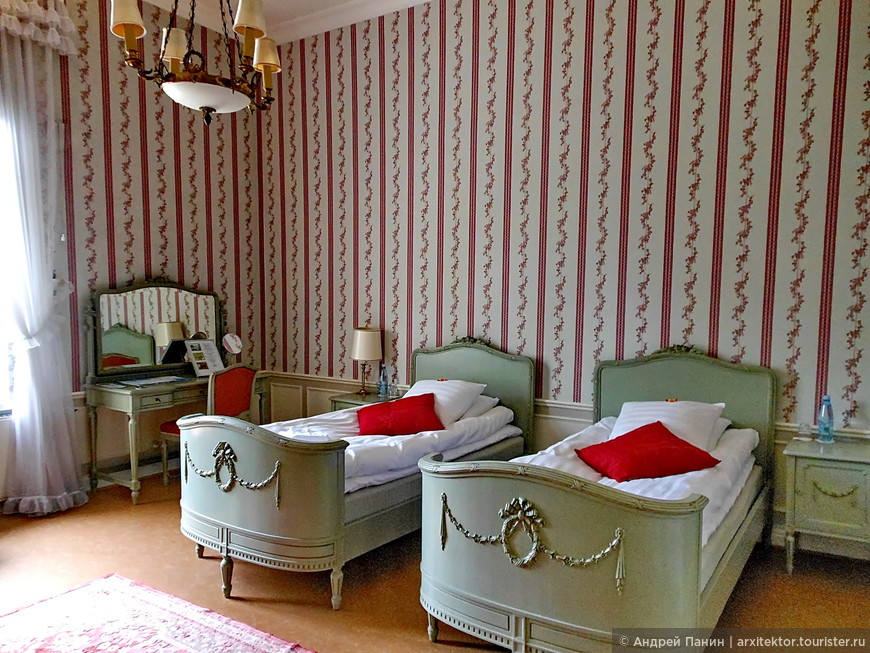 Наш номер в отеле Karhulan Hovi Manor.