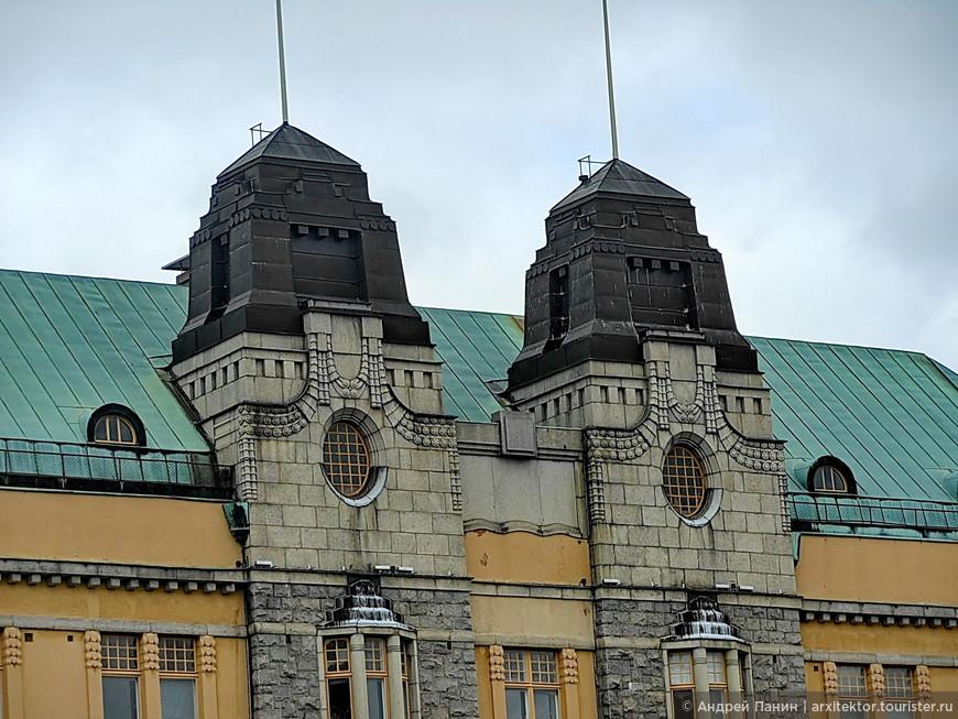 Применение темного металла не раз встречал в Финляндии.