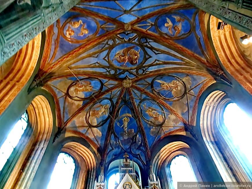 Внутри Кафедрального собора.