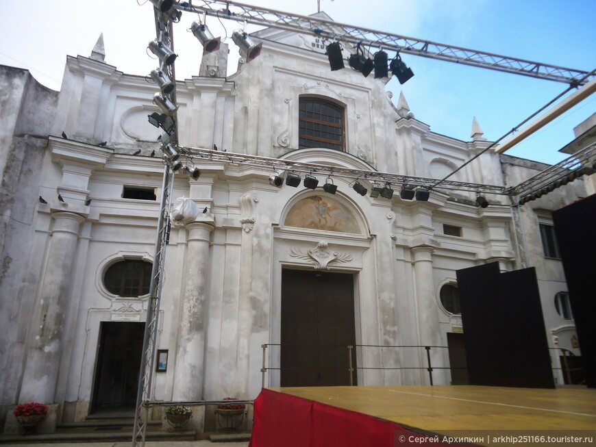 Церковь Сан-Микеле, или Святого Михаила- была построена в 1719 году