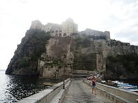 Арагонский замок острова Искья (Италия)