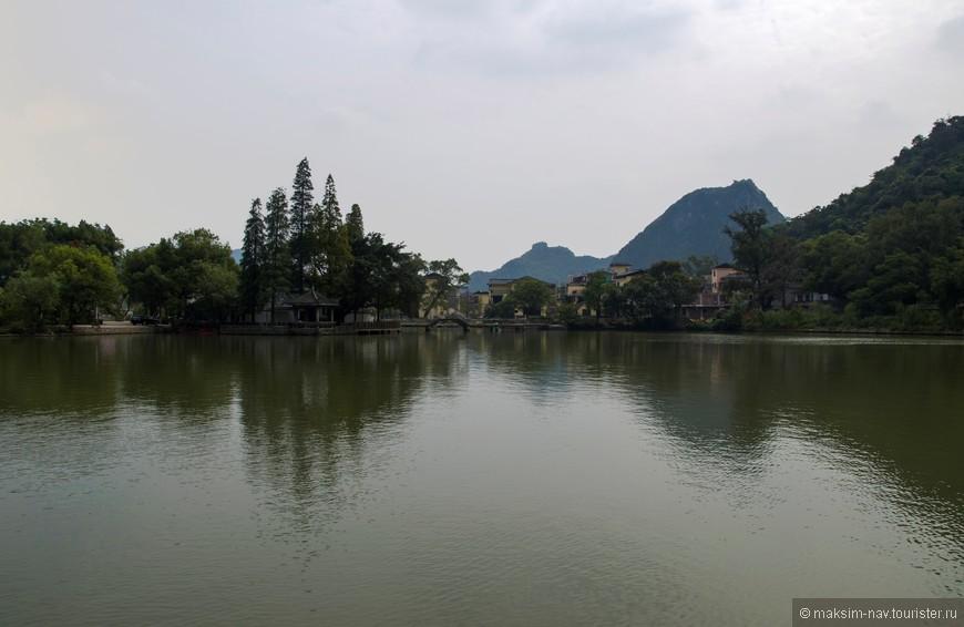 … и это симпатичное озеро.