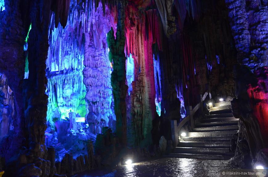 Таким мы увидели сказочный подземный мир пещеры Тростниковая флейта.