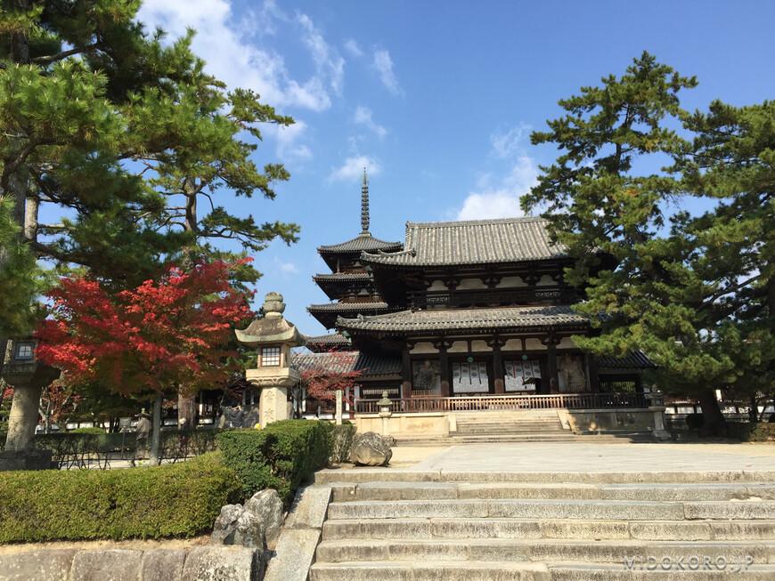 Храмовый комплекс Процветания Закона - Хорюдзи - один из старейших в Японии - он был основан в 607 году, а самые древние сохранившиеся до наших дней постройки датируют 711 годом. Сейчас это самые древние сохранившиеся деревянные постройки в мире.