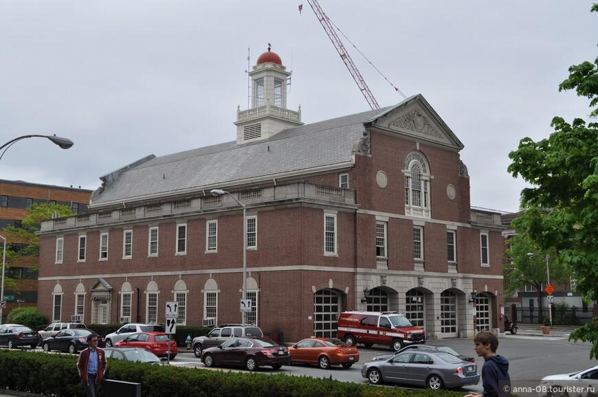 Здание пожарной охраны Кембриджа.