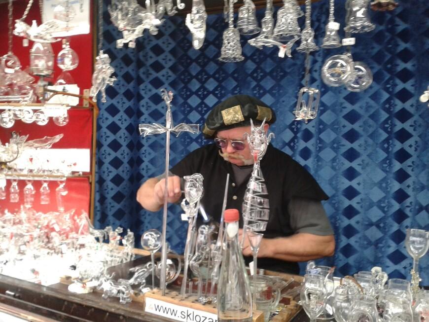 На ваших глазах рождается неповторимый шедевр из стекла. www.gidvprage.com