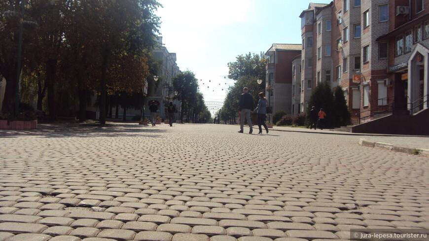 Город тихий,жизнь протекает в спокойном русле,хороший контраст с Минском.