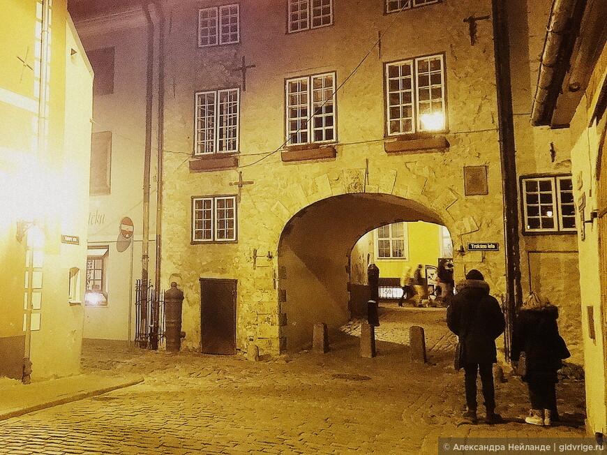 Везде фестиваль, а у Шведских ворот - экскурсия!