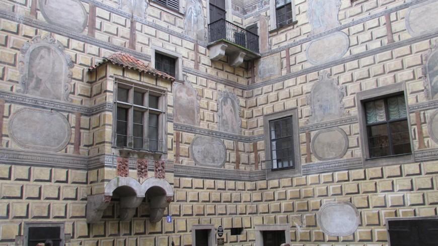 На IV замковом дворе