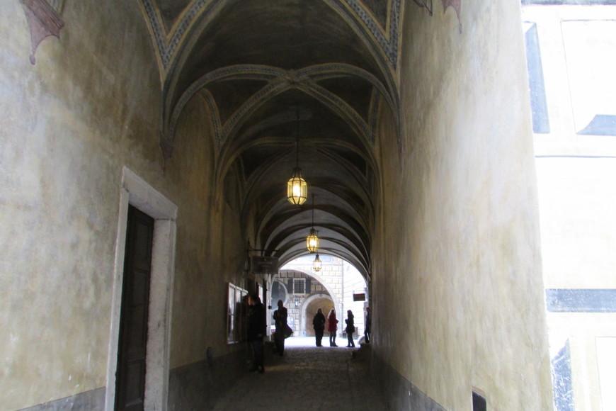 Проход на III замковый двор