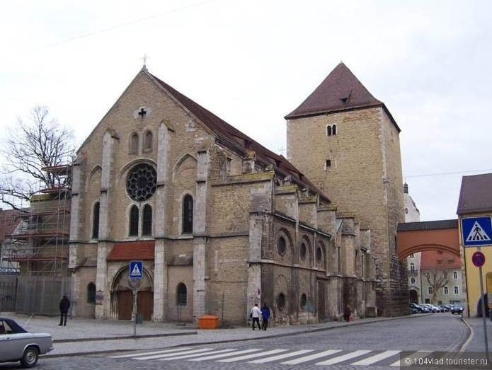 Церковь св. Ульриха в комплексе аббатства.
