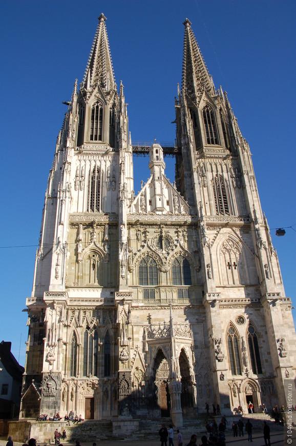 Сам собор. Здесь расположена кафедра епархии.