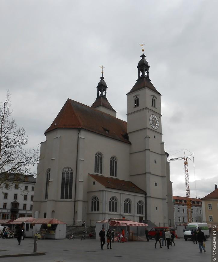 Церковь нового прихода на одноименной площади