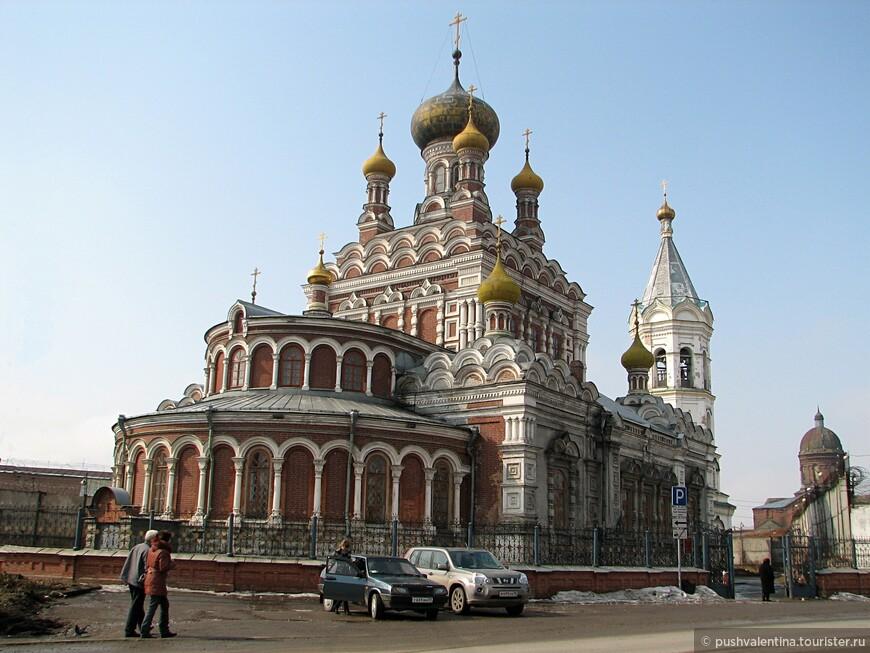 Никольский храм, построен в начале XX века. В середине XX века здесь располагалась тюрьма. Сейчас передан женскому монастырю.