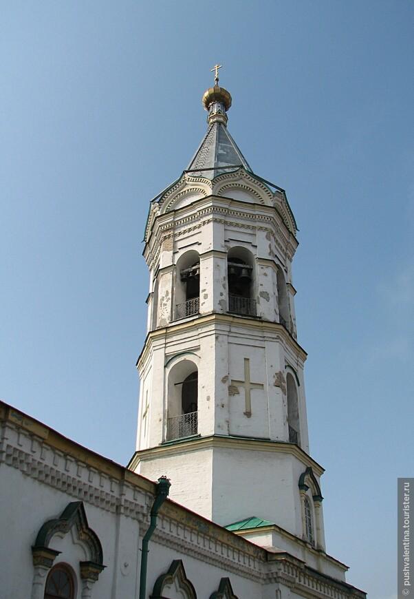 Колокольня Никольского храма.
