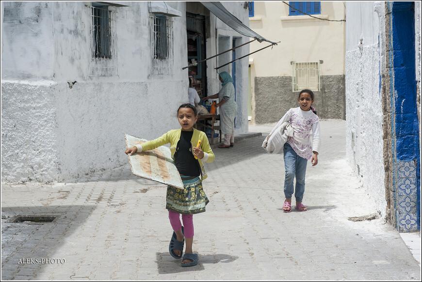 Под властью португальцев, которые оставили свой след почти во всех прибрежных городах Марокко, Аземмур находился полсотни лет.