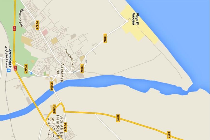 Как оказалось, река Умм-Эр-Рбия, впадающая в Атлантический океан — самая длинная в стране. На карте хорошо видно место впадения реки в океан. На реке возведено шесть плотин, помогающих орошать засушливые территории этой области страны.