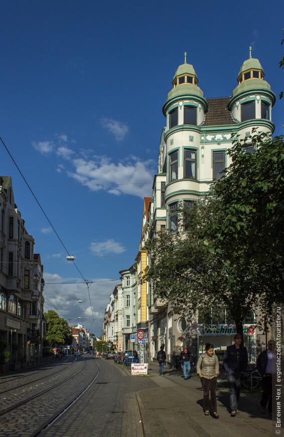 Главная улица Фиртеля, Остерторштрассе, отстроена в стиле Модерн.