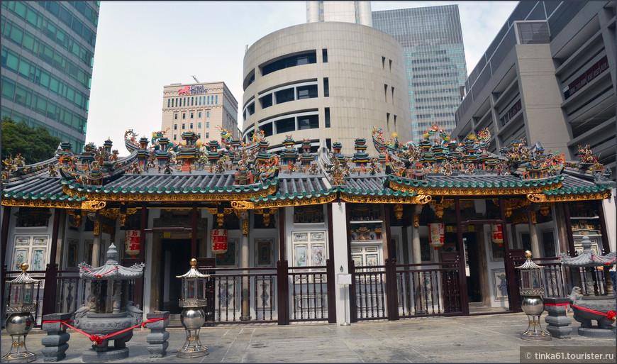 Даосский храм Wak Hai Cheng  или Храм спокойного моря.