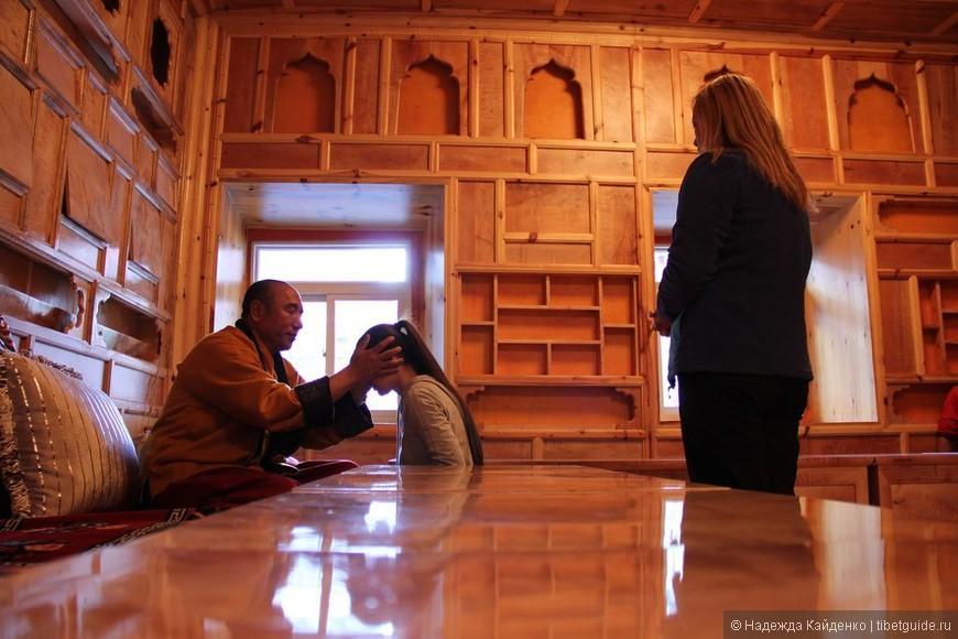 Тибетская область Кхам. Монастырь Гонгаланцзе.  И снова неожиданная встреча-благословение!  Живой Будда уделил нам время, мы смогли послушать его наставления, задать вопросы, получить благословение и даже освятить ритуальные предметы...