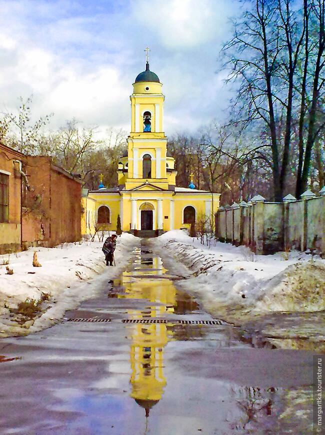Храм Веры, Надежды, Любови и Матери Софии на Савеловской