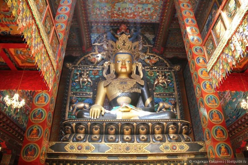 монастырь очень понравился, в этих статуях хранятся такие мощные реликвии!  опишу позже в рассказе..
