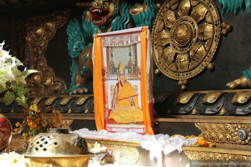 Его Святейшество Далай Лама 14-й, свободно.. это меня очень привлекает в Кхам, настоящая свобода веры, чего нет в ТАР