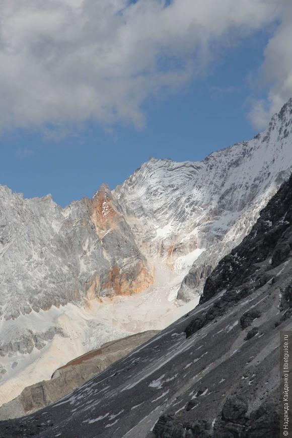 в горах очень много необычных изображений